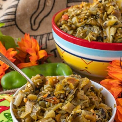 Green Chile, How to roast and prepare delicious green chile for stews, burgers, pizza and more! #atablefullofjoy #greenchile #newmexico #nmtrue #stew #fall #delish #hatch