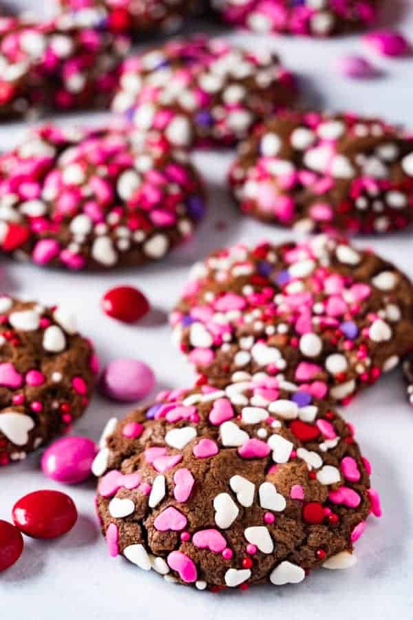 easy chocolate cookies layed out decoratively